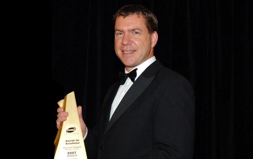 Darryl Soljan receiving HANZ Award for Excellence